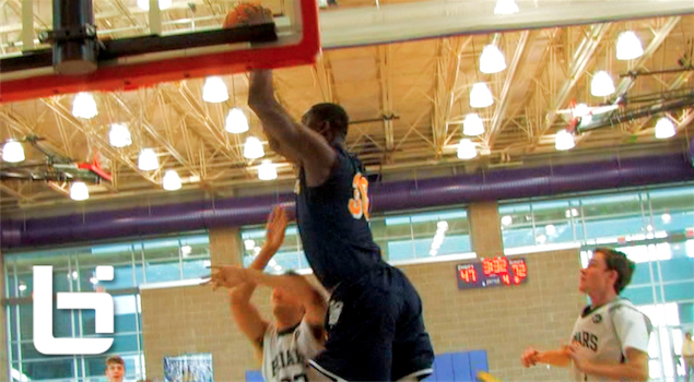 Ballislife | Julius Randle Posterizes Defender on Oop