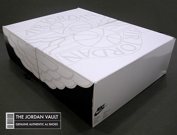 air-jordan-ii-og-white-black-red-made-in-italy-sample-1