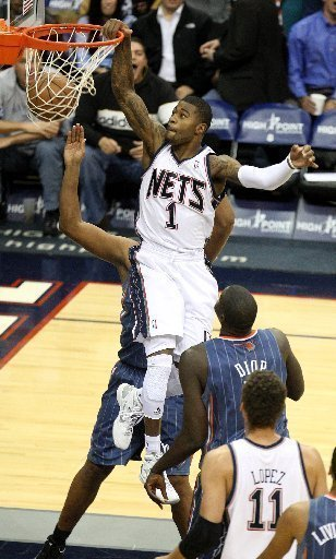 nets-terrence-williams-dunking-n-murray-71b9e2b519a43c27
